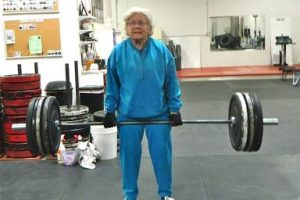 GRANDPARENTS-LIFTING-WEIGHTS